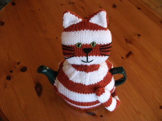 Tea Cozy - cute cat: