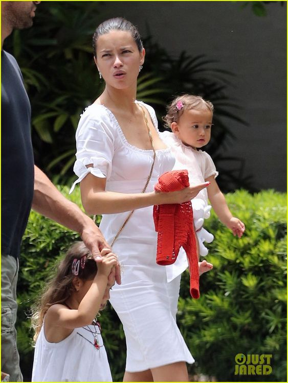 Adriana Lima with Her Family!