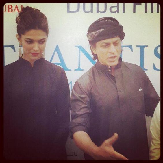 Deepika Padukone and Shahrukh Khan at a press conference