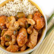 thaise kip met cashewnoten