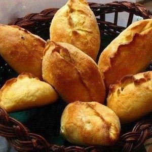 Пирожки из французского теста Ингредиенты 1 порция Мука пшеничная3 стакана Сахар3 столовые ложки Маргарин200 г Молоко1 стакан Дрожжи сухие30 г Яйцо куриное2 штуки