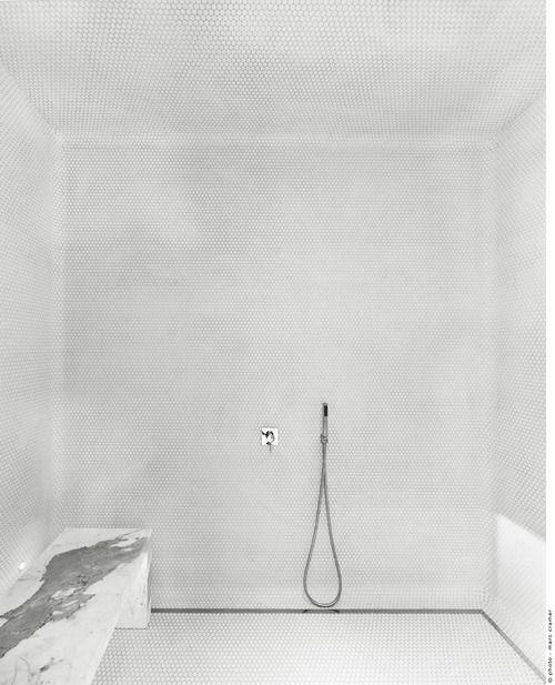 Martine Brisson - salle de bains - blanc - marbre / White - Marble -Bathroom