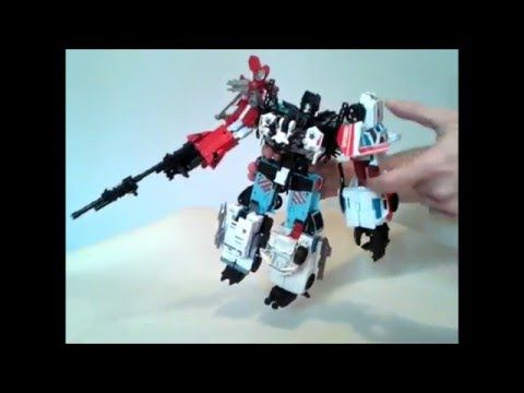 Transformers Combiner Wars Defensor build video - GotBot True Review NUM...