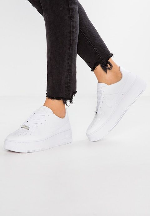 Nike Sportswear Air Force 1 Sage Baskets Basses White Zalando Be Nike Sportkleding Trendy Schoenen Sneaker