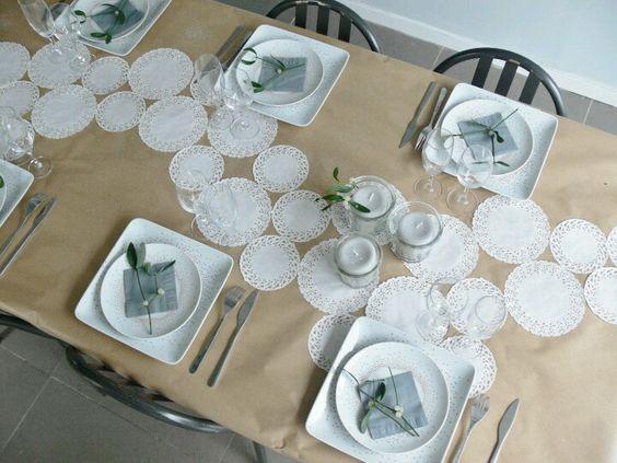 Manteleria papel madera con camino de blondas blondas - Caminos de mesa de papel ...