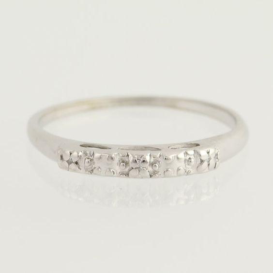 Vintage diamante acentuado anillo de bodas por WilsonBrothers