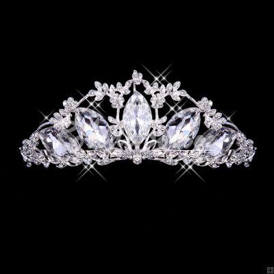 diad me mariage accessoires de mari e mariage coiffe la couronne coiffe et bijoux pinterest. Black Bedroom Furniture Sets. Home Design Ideas