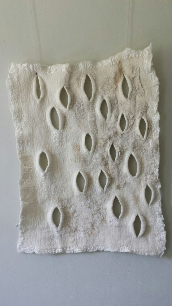 Felt on the wall - Lilian van den Einden: