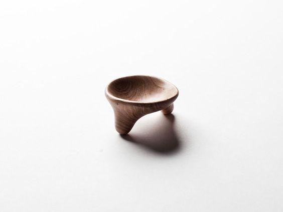Designer cria uma colher por dia. Norueguês desvenda formas para o objeto