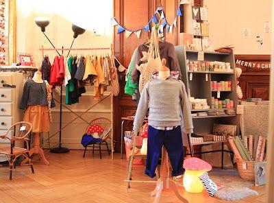 Un oiseau sur un fil: kids shop display