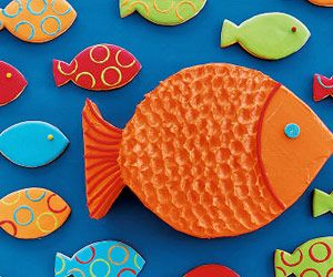 These little fish cookies are perfect for an ocean themed birthday party!