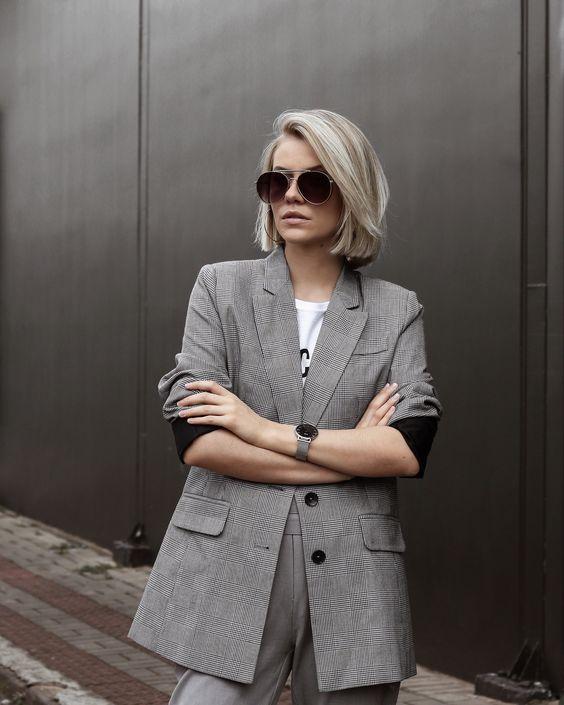 terninho cinza e t-shirt. #alfaiataria #estilo #boyish