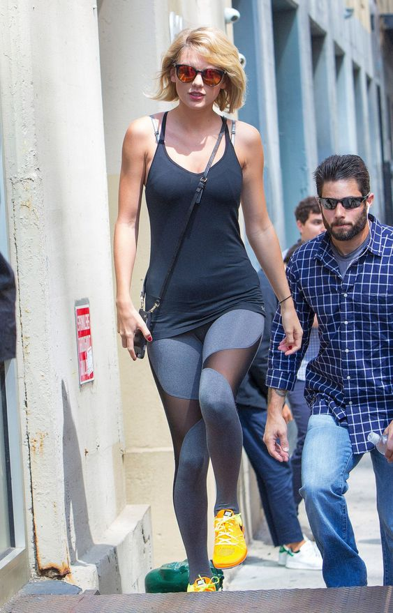 Taylor Swift in Spandex – Outside of Her Gym in New York 8/26/2016