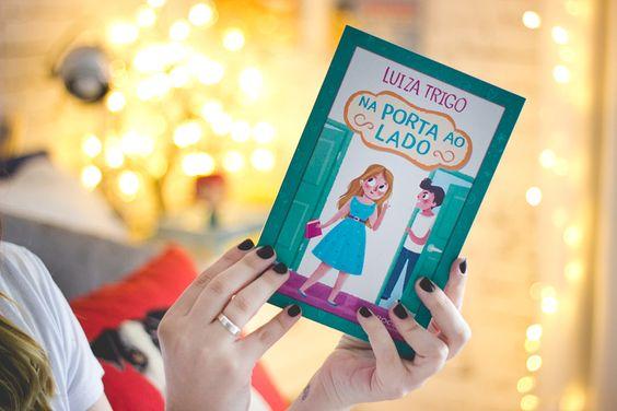 http://melinasouza.com/2015/07/06/na-porta-ao-lado-luiza-trigo/  Melina Souza - Serendipity <3  Livro: Na porta ao lado da Luiza Trigo  <3
