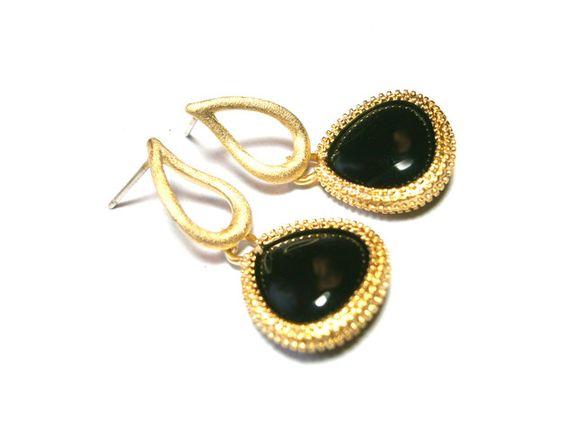 **Ohrhänger schwarz** mit Ohrsteckern aus Echt Silber 925 und vergoldeten Fassungen. Die Ohrhänger sind ca. 30 cm lang, die schwarzen Glaskristalle stammen aus österreichischer Markenmanufaktur.