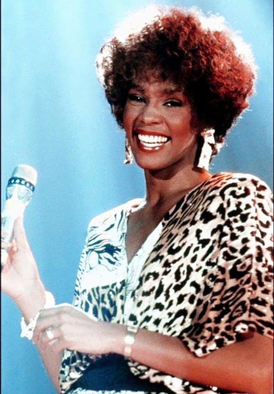 Whitney Houston Looking like a carbon copy of her dear mother Cissy Houston #SimplyStunning