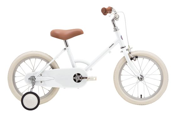 Little Tokyobike Modern with a vintage feel, these bikes will have eyes turning when your little one is cruising the streets, boardwalk and parks.