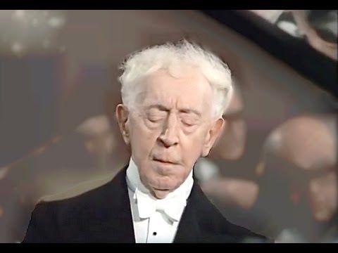 ▶ [HD] Frédéric Chopin - Piano Concerto Nº 2. II Larghetto | Arthur Rubinstein, piano (2/3) - YouTube