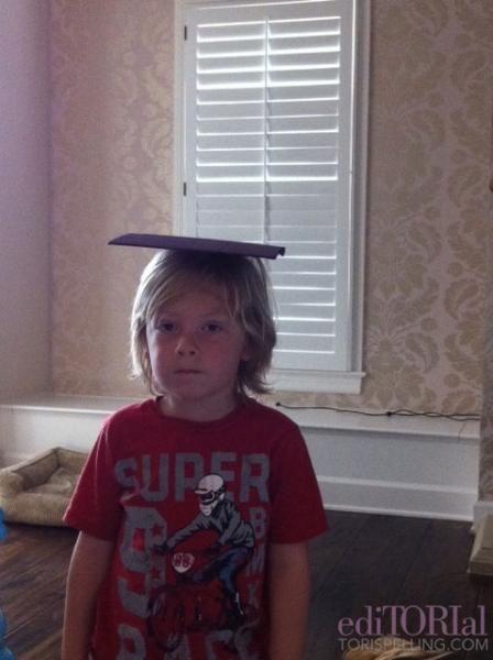 kids, dress up, tori spelling, graduation