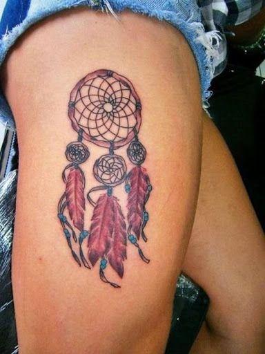 Tatouage en couleur d 39 un attrape r ve sur la cuisse tatouage attrape r ve pinterest - Tatouage autour de la cuisse ...