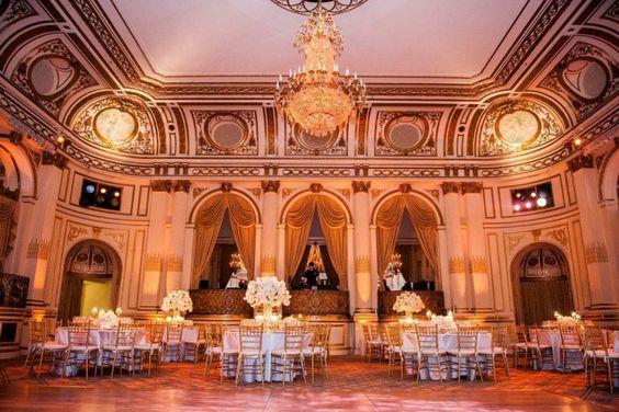 Ultra Glamorous New York Wedding Lights Up The Plaza Hotel - MODwedding