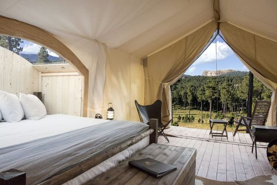 20 Best Luxury Camping Resorts in The U.S. - Glamping Near Me