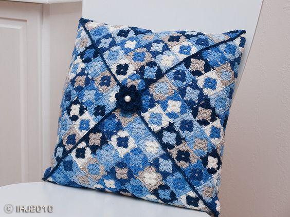 Tiny granny squares pillow: