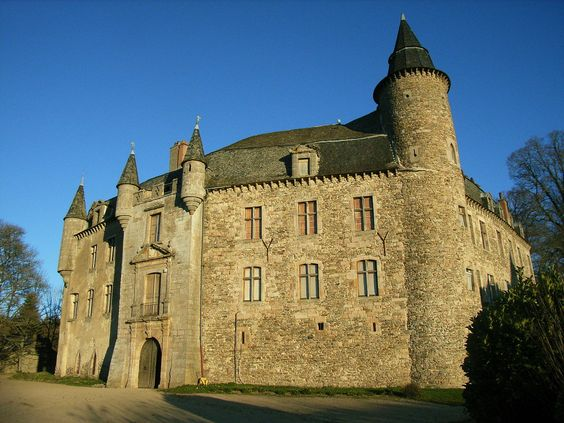 Château de Vezins. Vezins-de-Lévézou 12780. Guyenne.