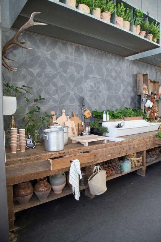 Levendige keuken met veel groen - Werelds Wonen Magazine
