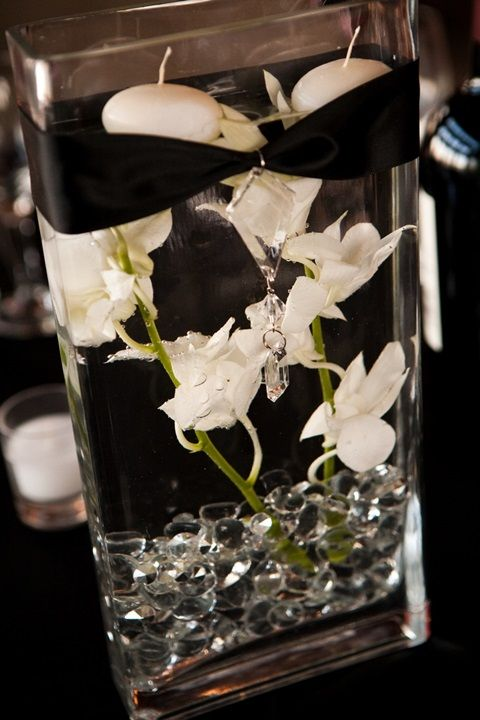 46 Cool Black And White Wedding Centerpieces   HappyWedd.com