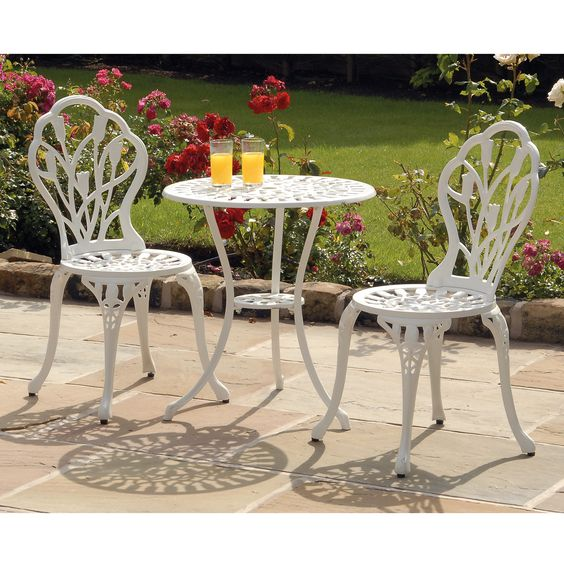 It is perfect on the patio, the garden, conservatory or balcony and comes complete with contrasting comfortable, black seat-cushion pads. This set is made of robust weatherproof aluminium construction.