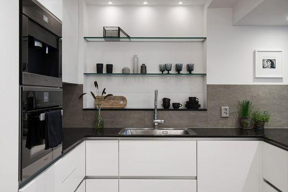 Simple monochrome home - via cocolapinedesign.com