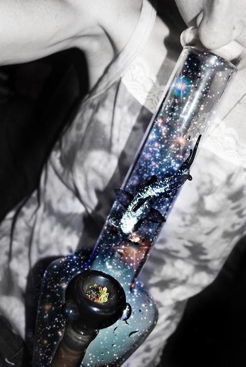 ℒᎧᏤᏋ this cool Galaxy bong..Via @weedchronicle on Twitter ღღ
