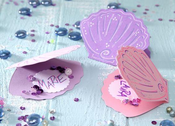 tischkarten muscheln unterwasserwelt diy basteln mit kindern kindergeburtstag. Black Bedroom Furniture Sets. Home Design Ideas
