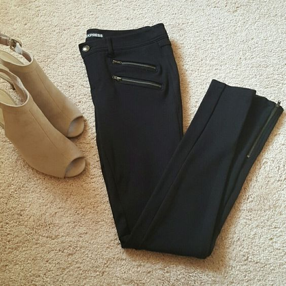 Express Black Leggings Stretch leggings. Zippers at the ankles. Gently used, still in great condition! Express Pants Leggings