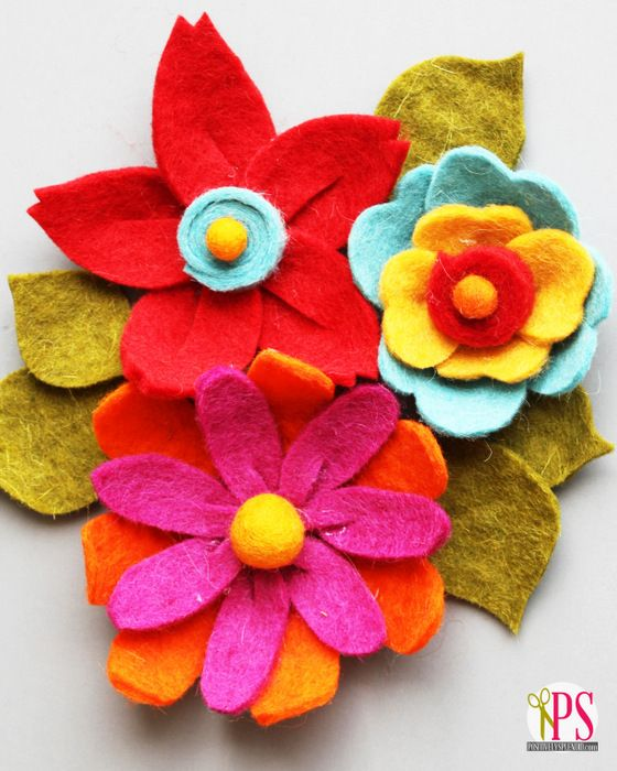 Three versions of gorgeous handmade felt flowers. No sewing required!: Flowers Positivelysplendid, Craft Flowers, Diy Flowers, Felt Crafts, Diy Felt, Felt Flower Tutorial, Crafts Felt, Crafts Sewing, Felt Flowers