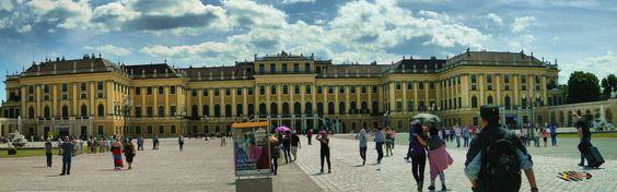 Wien, Schönbrunn Palace, Nikon Coolpix L310, 10.2mm, 1/200s, ISO80, f/10.7, panorama mode: segment 3, HDR-Art photography, 201605211439