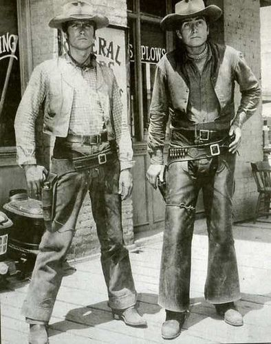 Rawhide - Clint Eastwood as Rowdy Yates & Eric Fleming as Gil Favor