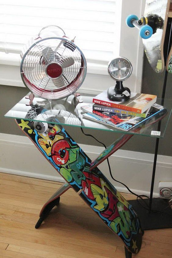 DIY Home Decor Ideas - all made from skateboards. Perfect for a teenager's bedroom.