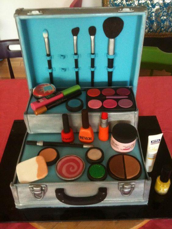 How To Make A Makeup Case Cake Makeup Bag Cake Makeup Vidalondon