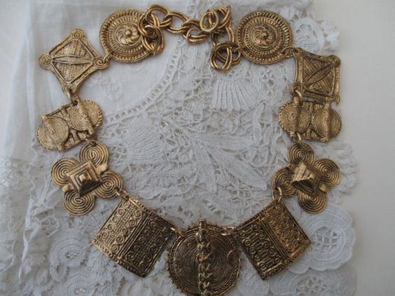 Vintage necklace by Nkempantiques on Etsy