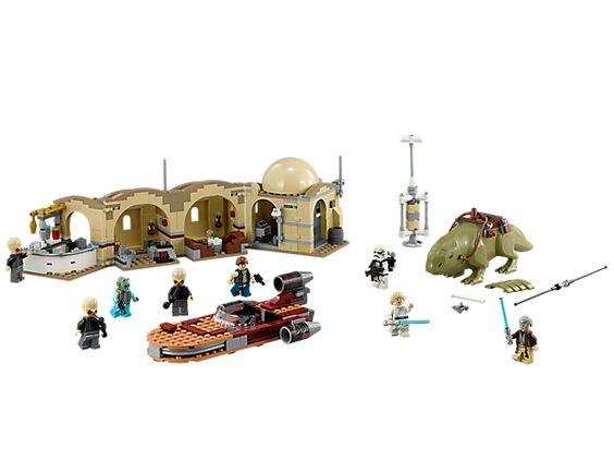 Recrée de célèbres scènes de Star Wars dans la Cantina™ de Mos Eisley !