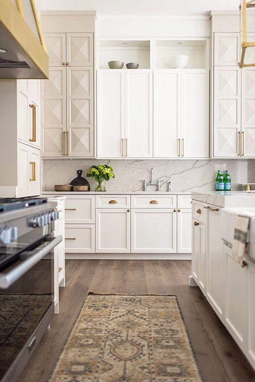 10 Stunning Grey And White Kitchen Design Ideas Decoholic Kitchen Cabinet Design Interior Design Kitchen Kitchen Renovation