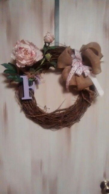 Cute spring wreath. Painted letter & burlap bow