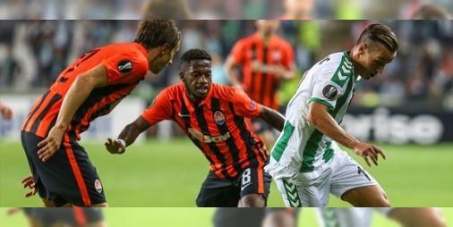 Konyaspor- Shakhtar Donetsk karşılaşması: Atiker Konyaspor tarihindeki ilk UEFA Avrupa Ligi maçında sahasında Ukrayna'nın Shakhtar Donetsk takımıyla karşılaşıyor.Karşılaşmanın ikinci yarısı Shakhtar Donetsk'in 1-0'lık üstünlüğü ile devam ediyor.