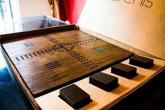 Parchís, rediseño del original juego de mesa, diseñado en madera con estilo minimalista. #parchis #juegodemesa #madera #minimalismo #minimalism  #diseño #diseñoindustrial  #diseñomexicano