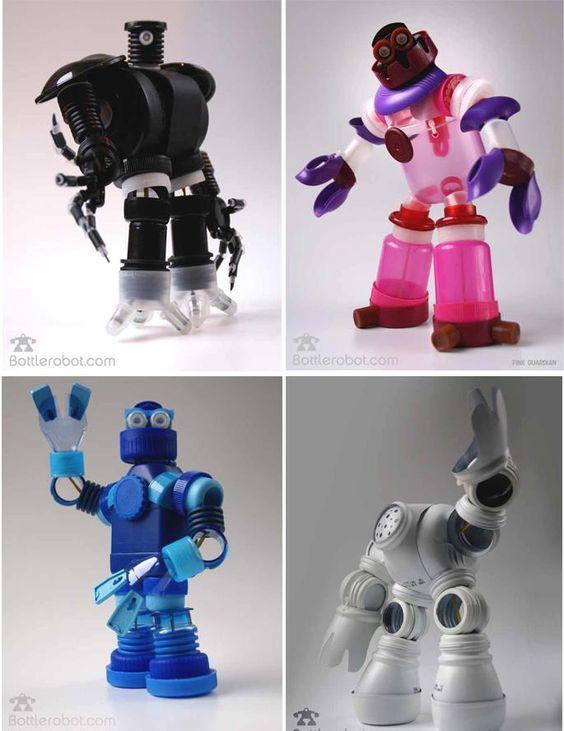 Bottlerobot robots con trozos de botellas pl sticas - Que se puede hacer con botellas de plastico ...