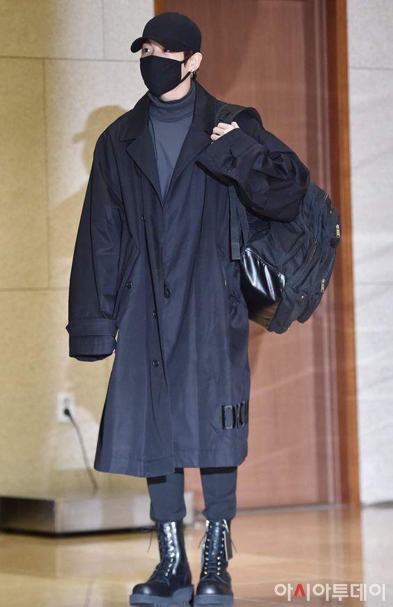 jungkook airport fashion