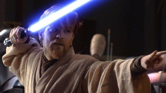 Après des années de rumeurs, il semblerait que Lucasfilm soit était en train d'enclencher l'hyperespace vers une série Star Wars spin-off centré sur Obi-Wan Kenobi avec Ewan McGregor. Depuis la production de Solo: A Star Wars Story, la firme semblait réticente au fait de produire un nouveau spin-off inspiré de l'univers Star Wars. Mais à […] #SérieTV #D23Expo, #Disney, #DisneyPlus, #EwanMcGregor, #Lucasfilm, #StarWars