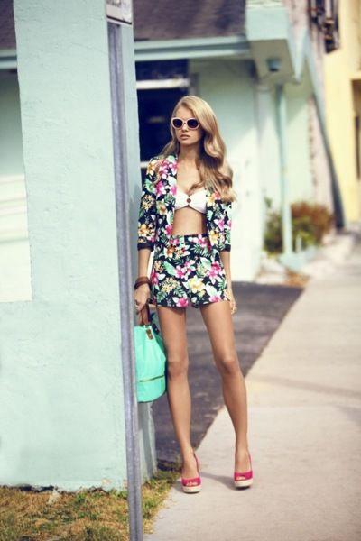 fashion 40s model summer